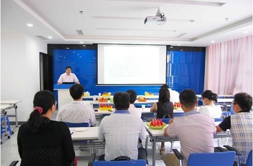 河南牧业经济学院汪教授应邀莅临牧翔药业讲座