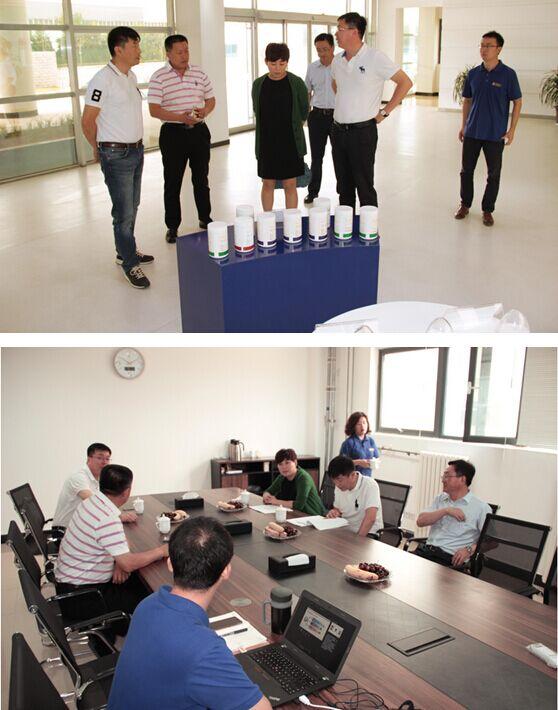 青岛市政协委员,万福集团副总经理史蕾及波尼亚赵总莅临深海生物参观
